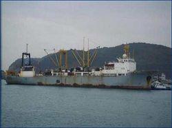 160 человек на плавбазе избежали трагедии на Курилах