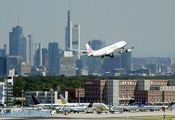 Понимания нет: забастовка в германском аэропорту возобновляется