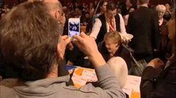 Облив Меркель пивом, официант громко выругался и впал в шок