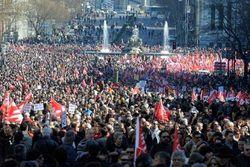 Безработных в Испании за месяц стало больше на 100 тысяч человек