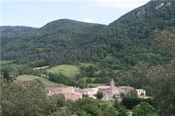 Инопланетная база расположена около неприметной деревушке во Франции?