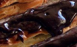 Пирожные, которыми отравились 43 человека, готовили нелегалы?