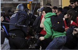 Испанцы хотят высокие зарплаты и протестуют против экономии