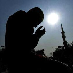 Молитвы мусульман через громкоговорители для … москвичей