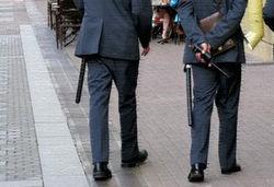 Доставленная в отдел полиции женщина покусала полицейских