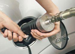 Бензин в России дорожать пока не будет