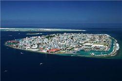 Зачем Мальдивам огромное количество песка из Бангладеш?