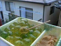 Под Новый год 6 пожилых японцев умерли после употребления рисовых лепешек