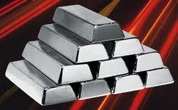 Главный производитель серебра Fresnillo plc снизил показатели