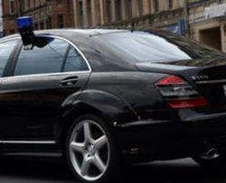 Водитель за рулем Mercedes с мигалкой сбил пешехода