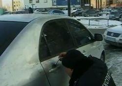 В Киеве из машины выкрали миллион