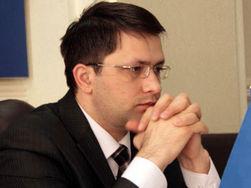 Киевского чиновника облили кислотой не из-за работы?