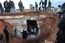 В разрушенном дворце Каддафи нашли тайную тюрьму