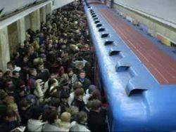 В чем причины остановки метро в Киеве?