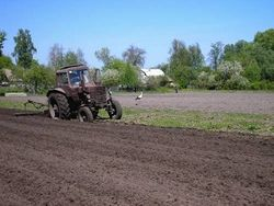 Земля иностранным инвесторам в Украине продаваться не будет?