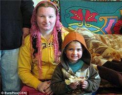 Как румынка умудрилась в 23 года стать бабушкой?