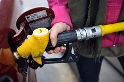 """Бензин и дизтопливо в Украине могут подорожать – """"Укравтодор"""""""