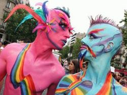 В Киеве не разогнали гей-парад, а в Москве полиция задержала участников