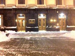 СМИ об уборке Киева: снега нет лишь у администрации Президента Януковича