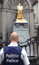 В Брюсселе россиянин затмил «Писающего мальчика» своей скульптурой