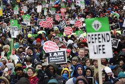 Facebook разделился по поводу протестов против абортов в США