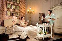 Эротика и бесплатный PR: звезды шоу-бизнеса Украины разделись за молоко