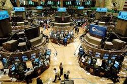 Биржи США начали торги со снижения