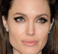 Анджелина Джоли призвала мировых лидеров остановить конфликт в Сирии