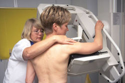 Удар по пластической хирургии: увеличение груди приводит к раку – ученые
