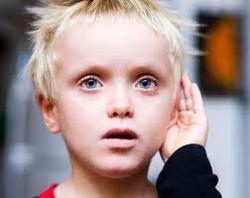Дети-аутисты лучше адаптируются к обществу в многодетных семьях – ученые