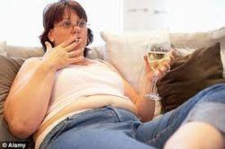 Употребление алкоголя усугубляет воздействие курения только у женщин – медики