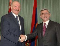 Александр Лукашенко отбыл в Армению в поисках союзников и контрактов