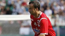 Во время футбольного матча вице-премьеру РФ разбили голову