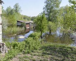 Спущенная Каневской ГЭС вода затопила села и турбазы на Черкащине