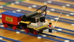 Опыт PR: Из кубиков LEGO построили 4-километровую железную дорогу