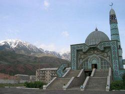 СМИ Кыргызстана рассказали, чем занимаются родственники первых лиц государства