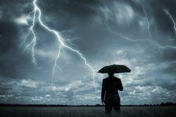 В Индии от ударов молнии погибло 27 человек