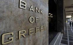 К середине лета Греция продаст два банка