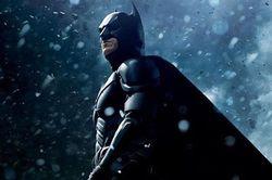 Вместо дружинников – киногерои: В Англии Бэтмен доставил злодея в участок