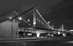 Крымский мост - излюбленное место для самоубийц