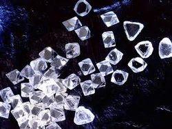 26 тысяч бриллиантов попытались нелегально ввезти в Россию из ОАЭ