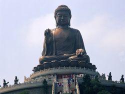 Самая высокая статуя Будды в России в этом году открыта не будет