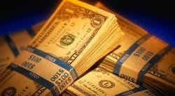 В Узбекистане – валютный бум: банки распродают доллары по курсу ЦБ