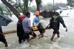 Как минимум 27 человек погибли и 29 пропали без вести вследствие бури на Шри-Ланке