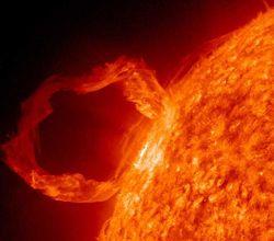 13 мая астрономы зафиксировали мощную вспышку на Солнце