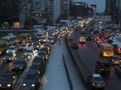 Киев встал в многокилометровых пробках, - последствия