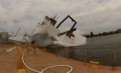 ТОП видео YouTube : неудачный спуск корабля на воду
