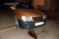 Киевляне, не надеясь на ГАИ, сами кулаками воспитывают водителей-хамов