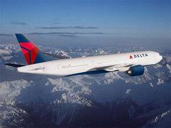 Delta Airlines заставила инвалида ползком по трапу забираться в самолет