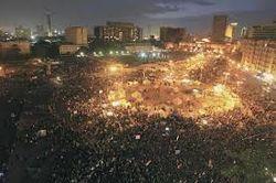 Демонстрации в Египте набирают обороты. Пылает президентский дворец